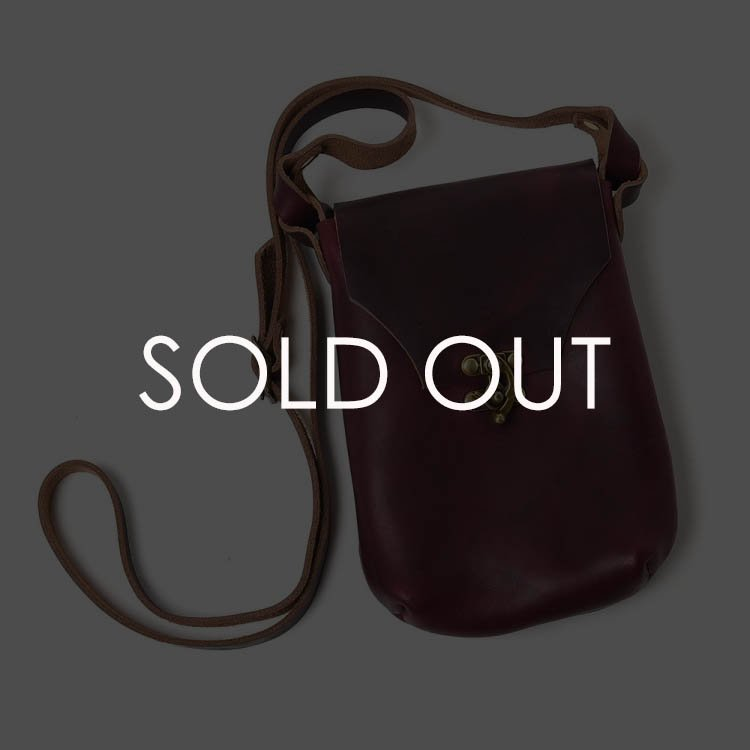 Fernand (フェルナンド)  Latch_pouch サイズM 【ワイン】<img class='new_mark_img2' src='https://img.shop-pro.jp/img/new/icons14.gif' style='border:none;display:inline;margin:0px;padding:0px;width:auto;' />