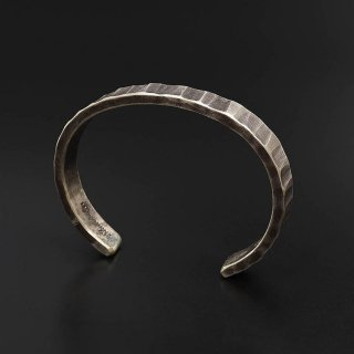 STUDEBAKER METALS Bessemer Cuff 925 Silver-Patina (メンズ)<img class='new_mark_img2' src='https://img.shop-pro.jp/img/new/icons14.gif' style='border:none;display:inline;margin:0px;padding:0px;width:auto;' />