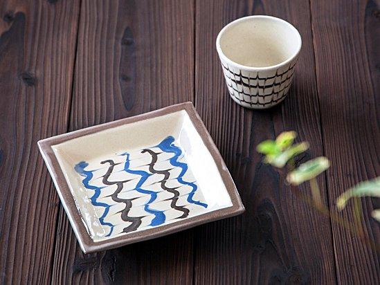 白釉スリップ紋・正角皿