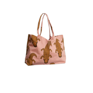 <img class='new_mark_img1' src='https://img.shop-pro.jp/img/new/icons47.gif' style='border:none;display:inline;margin:0px;padding:0px;width:auto;' />mini rodini Crocco beach bag PINK