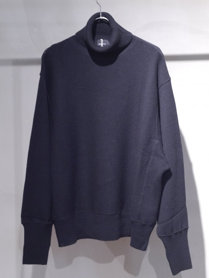 <img class='new_mark_img1' src='https://img.shop-pro.jp/img/new/icons5.gif' style='border:none;display:inline;margin:0px;padding:0px;width:auto;' />Turtle neck knit sweater-Lamb's wool / BLACK