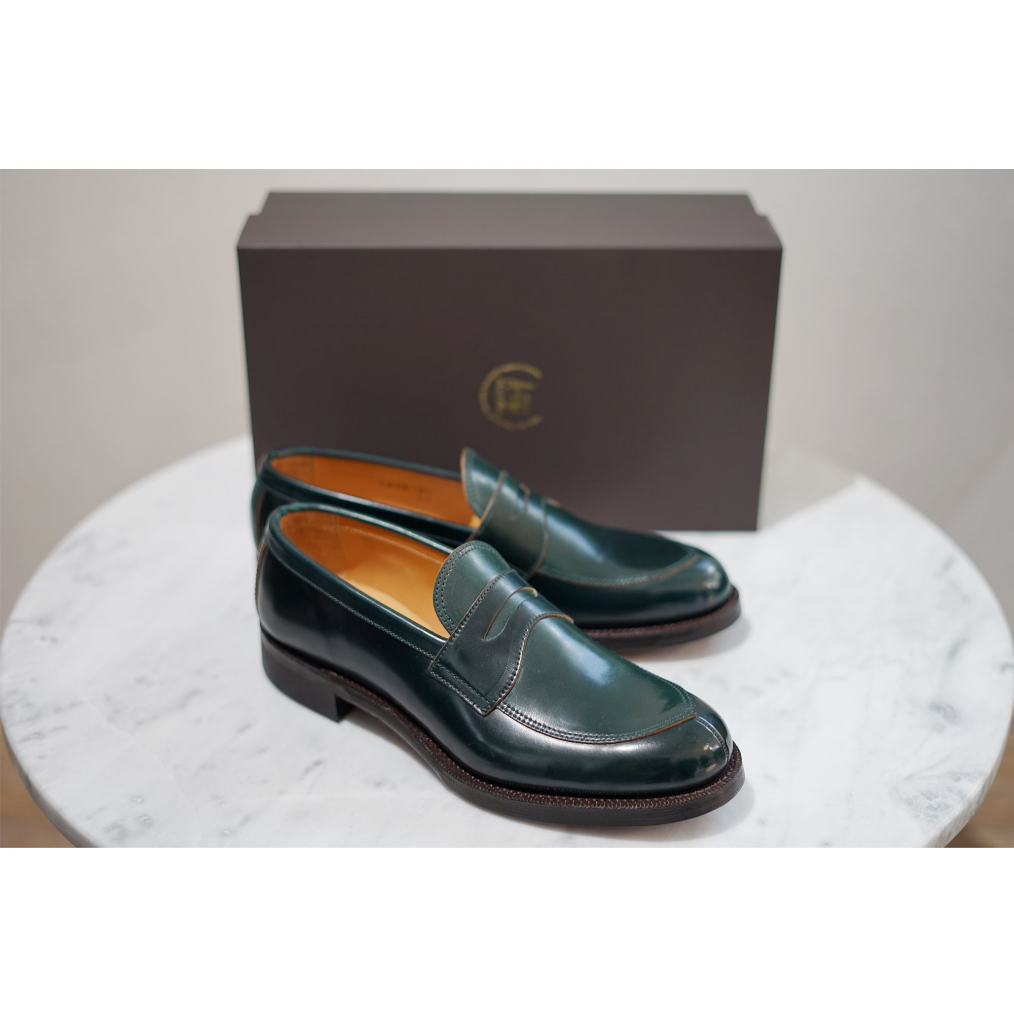 Makers-CORDOVAN V-TIP LOAFER
