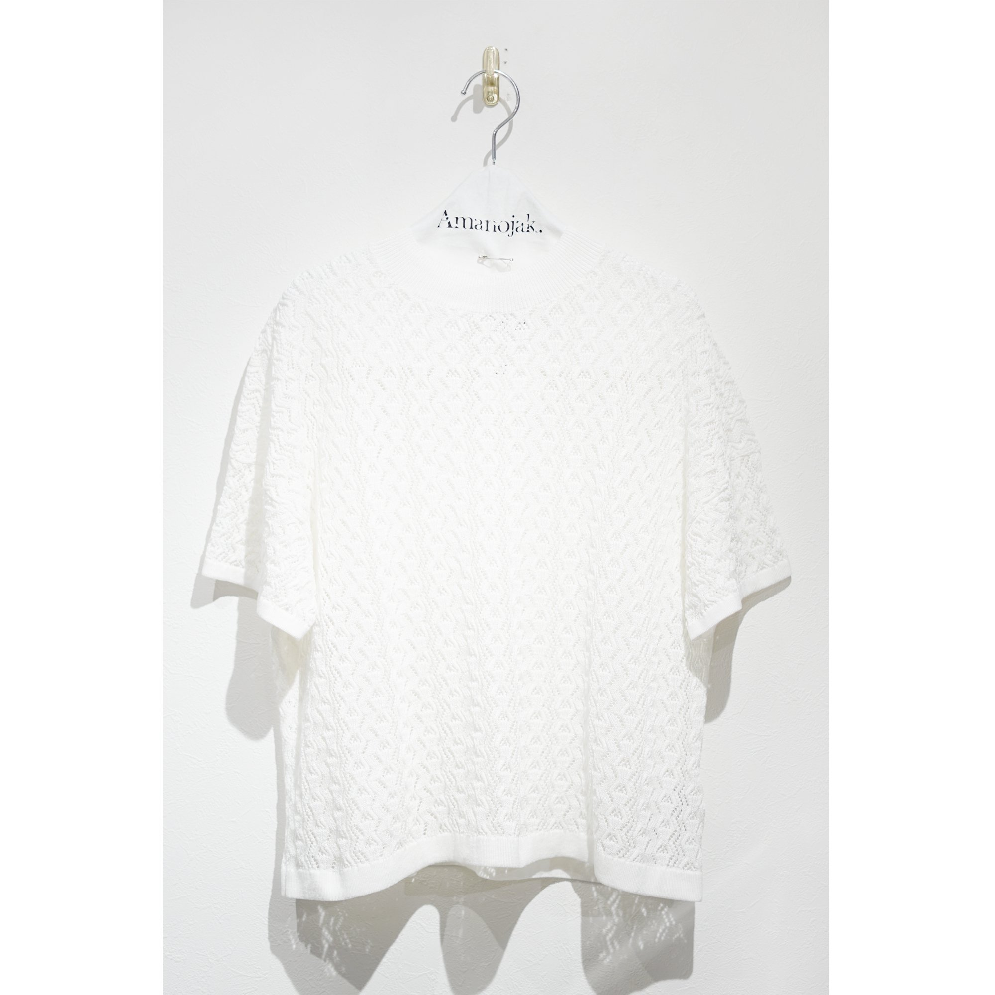 BATONER-SIRKET CORD透かし柄SHORT SLEEVE HI NECK WHITE