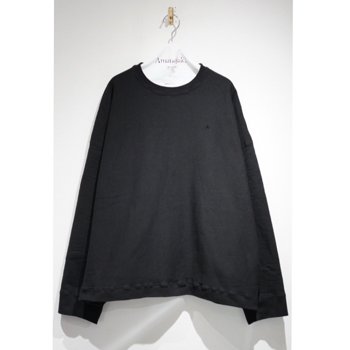 ATON-GARMENT DYE URAKE SWEAT BLACK
