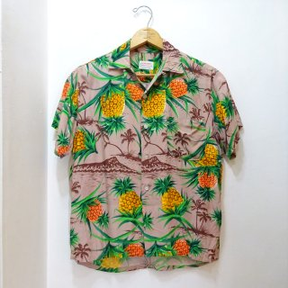 Early 60's Pineapple & Diamond-Head Pattern Rayon Hawaiian Shirts size S