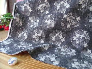 ふんわりジャガード起毛コットン・紫陽花 デニムブラック(再入荷しました)