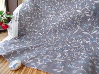 木の実&粒々小花のふんわりダブルガーゼ・チャコールグレー