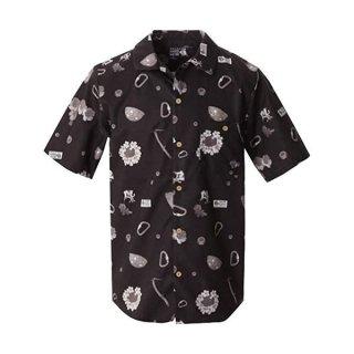 <img class='new_mark_img1' src='https://img.shop-pro.jp/img/new/icons24.gif' style='border:none;display:inline;margin:0px;padding:0px;width:auto;' />MOUNTAIN HARD WEAR マウンテンハードウェア Climb Aloha Short Sleeve Shirt