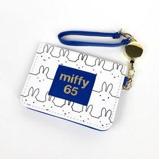 ミッフィー miffy オープンパスケース ヒストリー 65thミッフィー リール付きパスケース 白 グッズ  (MCOR)