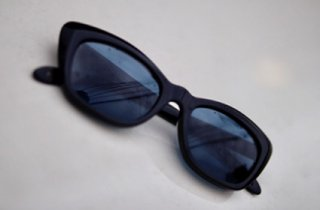 【toast】EYE GEAR ASHLYN【BLACK x BLUE】