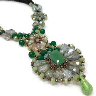 Costume Jewelry (Necklace)