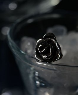 [Lilith / リリス] LP-01 Suspicion 作り物の薔薇 シルバーピアス