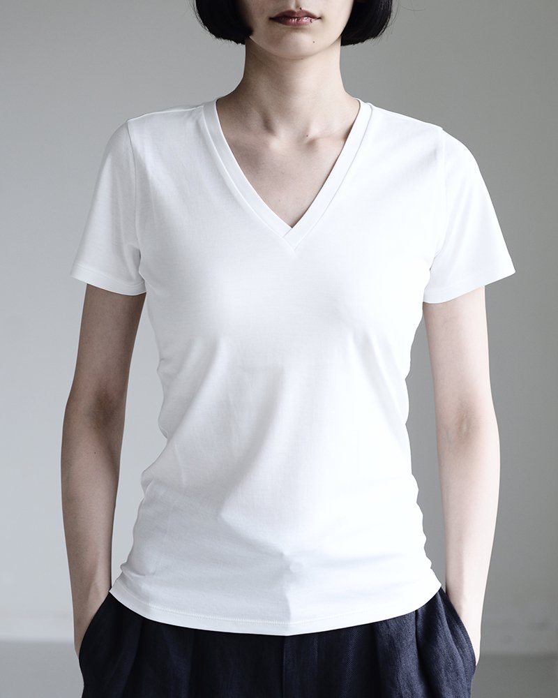 intoca.半袖VネックTシャツ