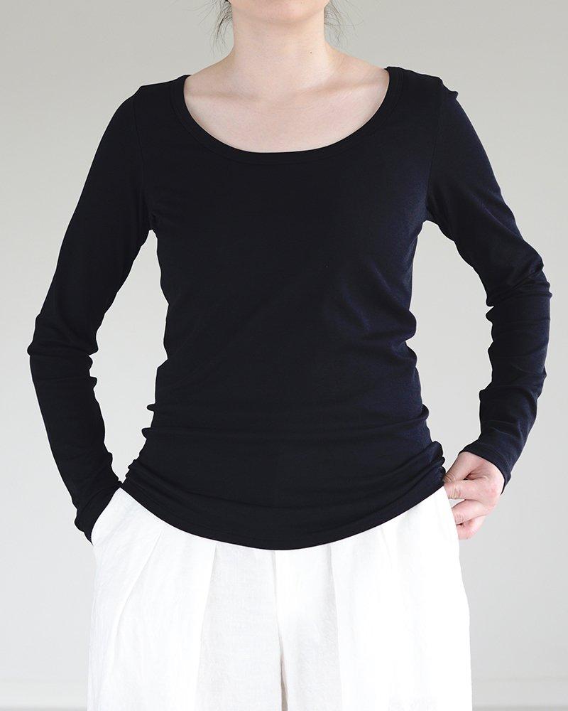 intoca.ワイドネックTシャツ