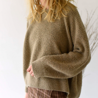 <img class='new_mark_img1' src='https://img.shop-pro.jp/img/new/icons41.gif' style='border:none;display:inline;margin:0px;padding:0px;width:auto;' />【unfil】boild camel sweater