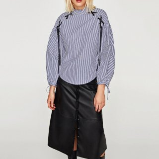 Lace-up striped long-sleeved blouse shirt レースアップ付きストライプブラウスプラスサイズあり