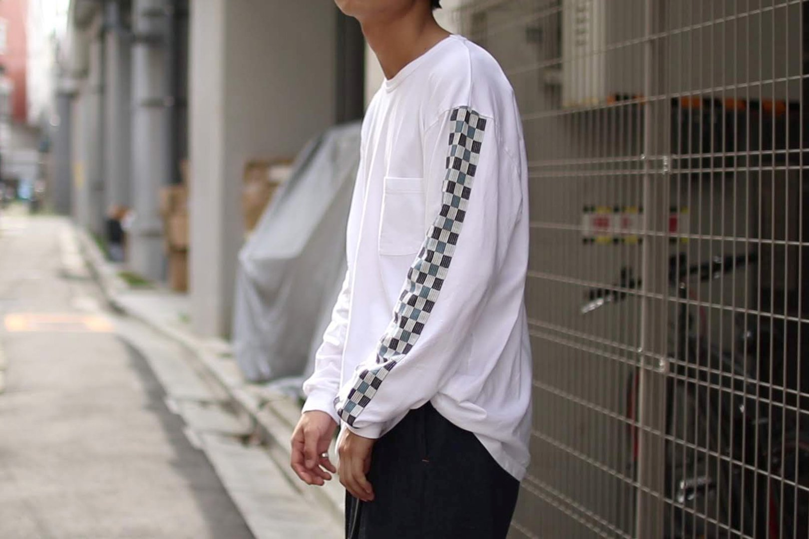 <img class='new_mark_img1' src='https://img.shop-pro.jp/img/new/icons58.gif' style='border:none;display:inline;margin:0px;padding:0px;width:auto;' />KUON / LINE LONGSLEEVE TEE