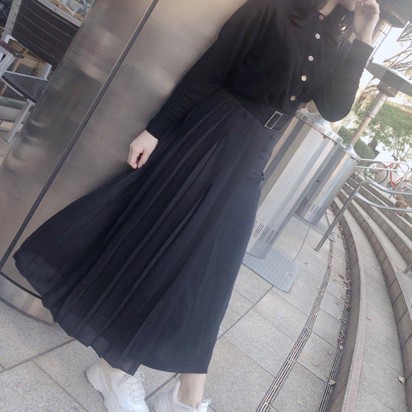 【即納】シンメトリープリーツスカート(2colors)【ブラックのみ】