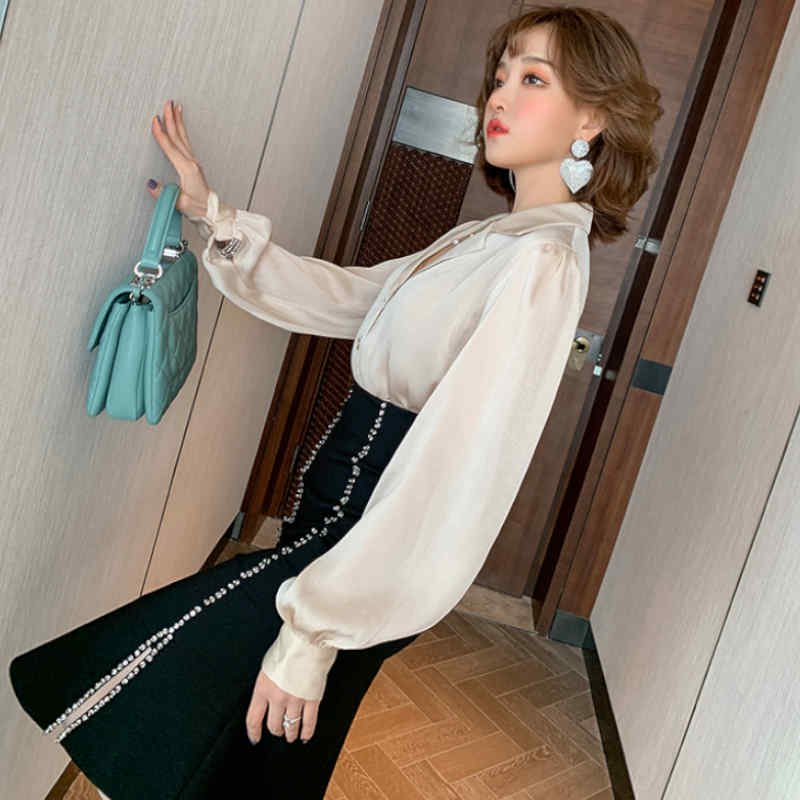 サテン風開襟ブラウス×ビジュー付きスカート(2colors)