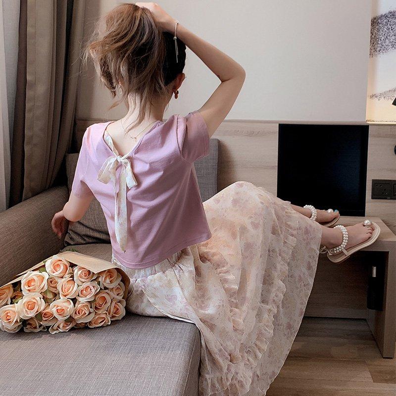 バックリボンTシャツ×フリルロングスカート