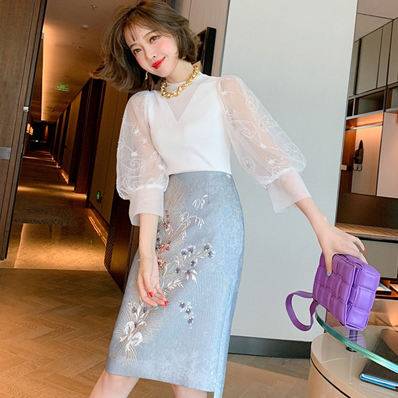 <img class='new_mark_img1' src='https://img.shop-pro.jp/img/new/icons14.gif' style='border:none;display:inline;margin:0px;padding:0px;width:auto;' />シアーパフスリーブニットトップス×刺繍入りタイトスカート【上下別売り可】