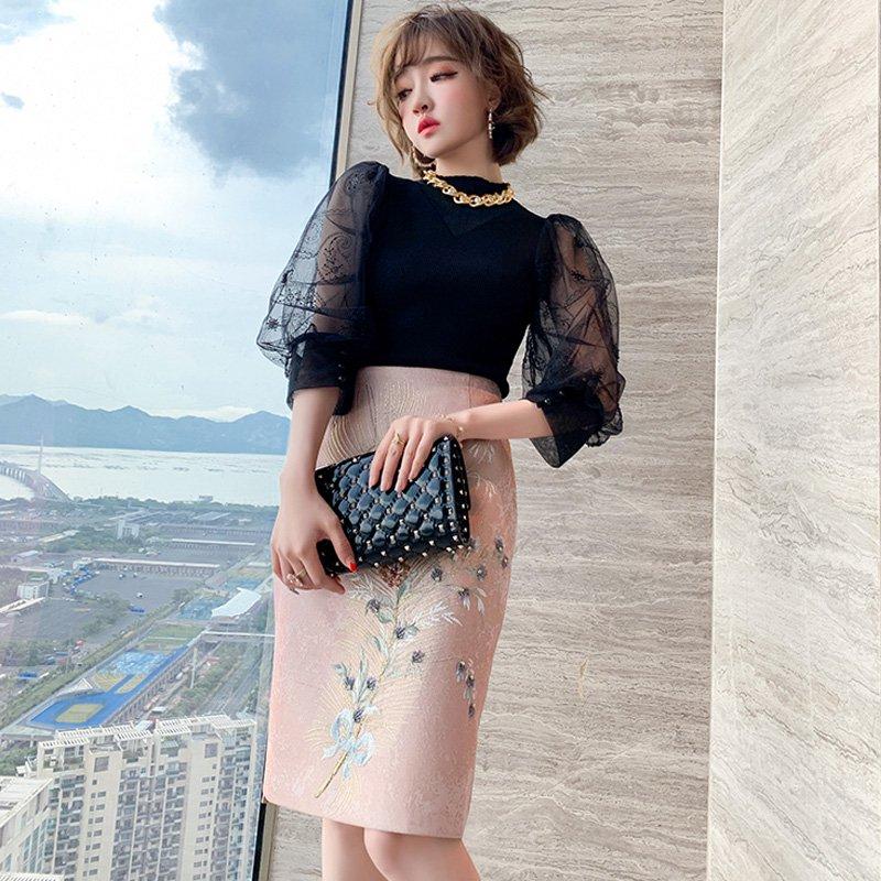 シアーパフスリーブニットトップス×ボタニカル刺繍タイトスカート【上下別売り可】