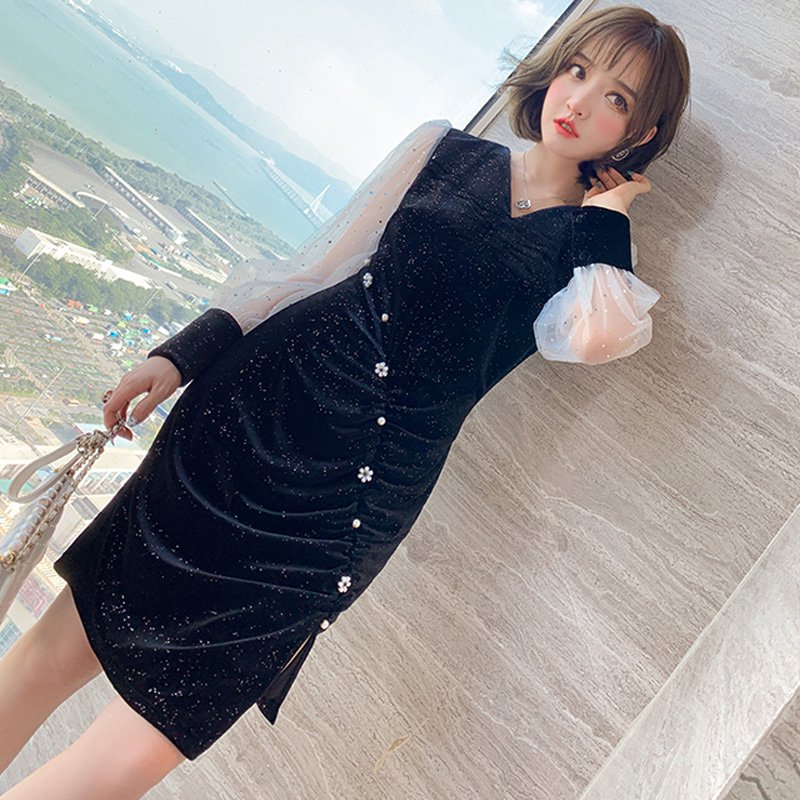 <img class='new_mark_img1' src='https://img.shop-pro.jp/img/new/icons14.gif' style='border:none;display:inline;margin:0px;padding:0px;width:auto;' />シアースリーブラメ入りベロアワンピース