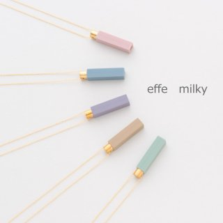 effe milky 身に着けられるようにネックレスの形にした女性向けの防災防犯用ホイッスルネックレス