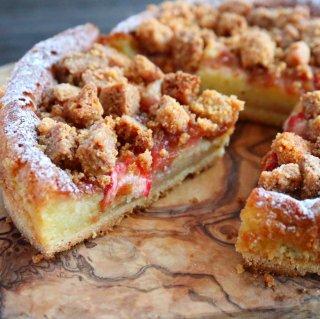 ざくざくクッキーの苺タルト