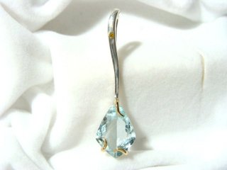 AQUAMARINE Pendant with DIAMOND
