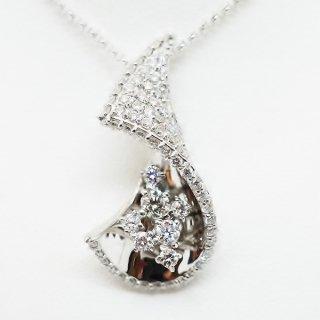 大特価!0.90カラットのダイヤモンドペンダントネックレス Pt900