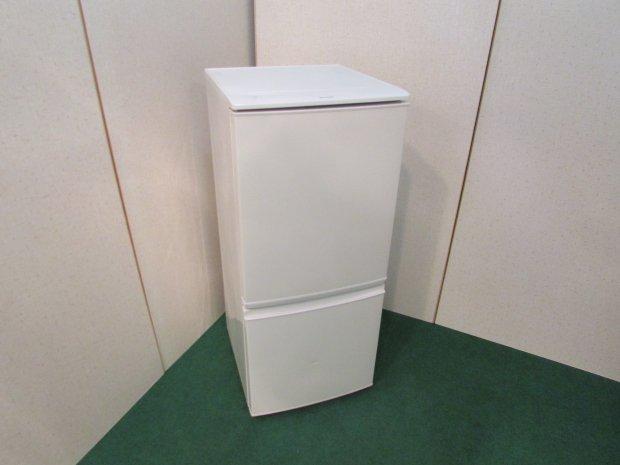 2015年製 シャープ ノンフロン冷凍冷蔵庫 SJ-D14A-W