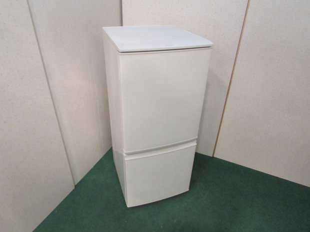 2017年製 シャープ ノンフロン冷凍冷蔵庫 SJ-D14C-W