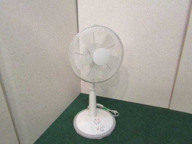 2016年製 ユアサプライム 扇風機 YT3016E4W