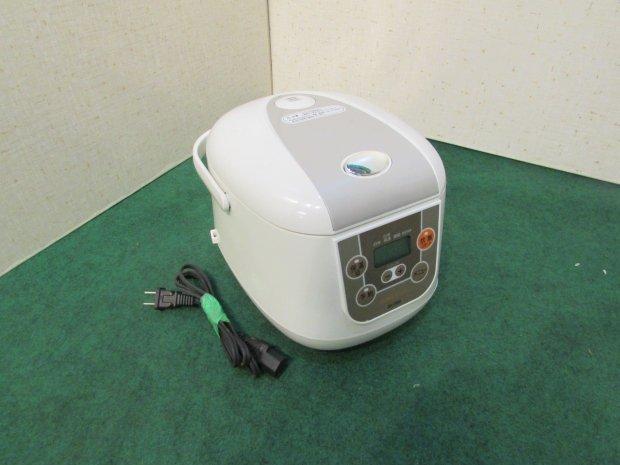 2018年製 シー・シー・ピー 炊飯器 BK-R60-WH