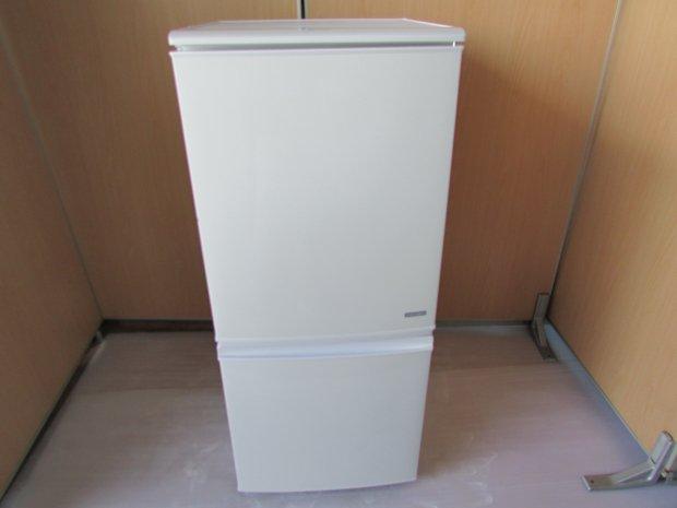 2017年製 シャープ ノンフロン冷凍冷蔵庫 ST-C14C-W