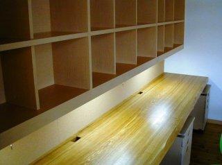 作り付けデスク&壁面棚
