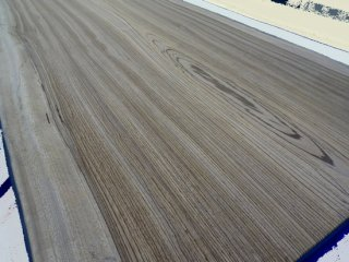 ゼブラウッド (Zebra wood)無垢一枚板