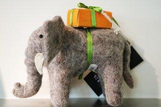 EN GRY&SIF(エングライ&シフ)ゾウとプレゼント