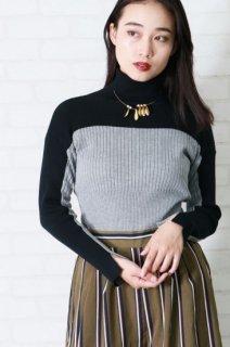 Bicolor Bottle neck rib knit