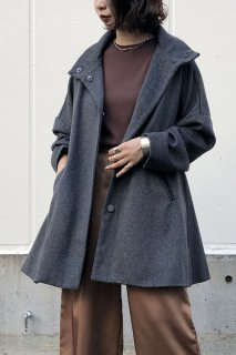 Cape silhouette melton coat