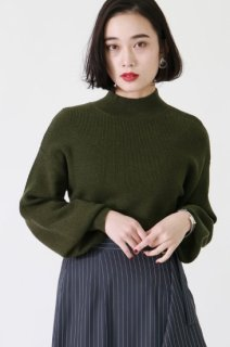Volume sleeve knit