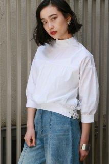 Volume sleeve cotton blouse
