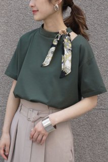 Slit T-shirt with scarf