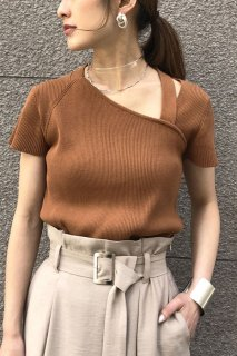 Asymmetry neck knit