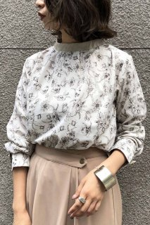 Leather×flower blouse