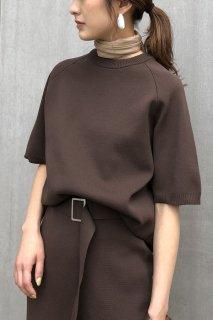 Side slit half sleeve knit