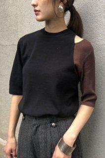 Slit bicolor knit