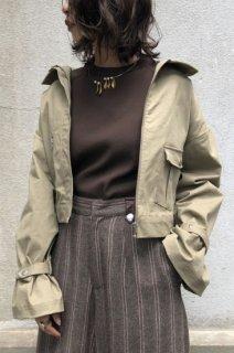 Volume sleeve military jacket