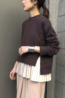 Bicolor pleated layered pullover